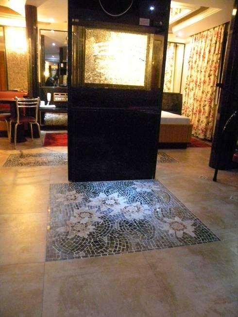 Pisos em mosaico – Mandalas em mosaico para pisos e paredes: Arte  por Mosaico Leonardo Posenato