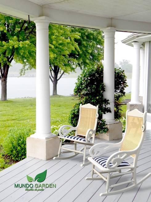 Salones de estilo moderno de Mundo Garden