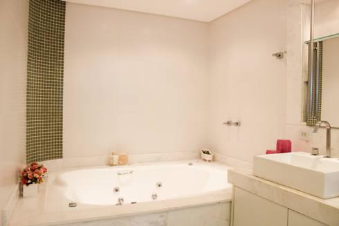 Residencias: Banheiros modernos por Maestrelo Interiores