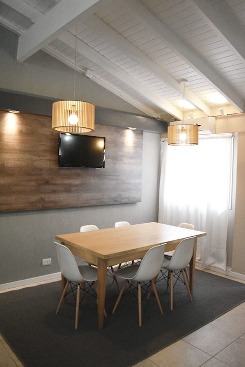 Sala da pranzo in stile in stile Rustico di Estudio Nicolas Pierry