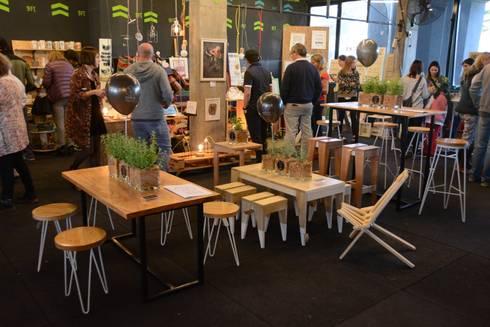 Feria Good en Nordelta: Livings de estilo industrial por Tabureto