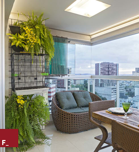 Balcones y terrazas de estilo  por Fadel Arquitetura