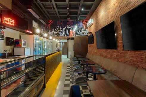 Salão Espeteria Gourmet : Bares e clubes  por Mariana Borges e Thaysa Godoy