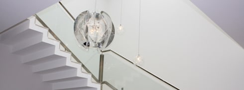 iluminação: Corredor, hall e escadas  por Joana Conceição - Architecture and Interior design