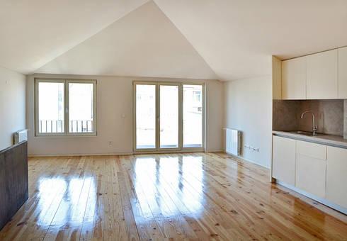 Sala de Estar / Jantar : Salas de estar modernas por Germano de Castro Pinheiro, Lda