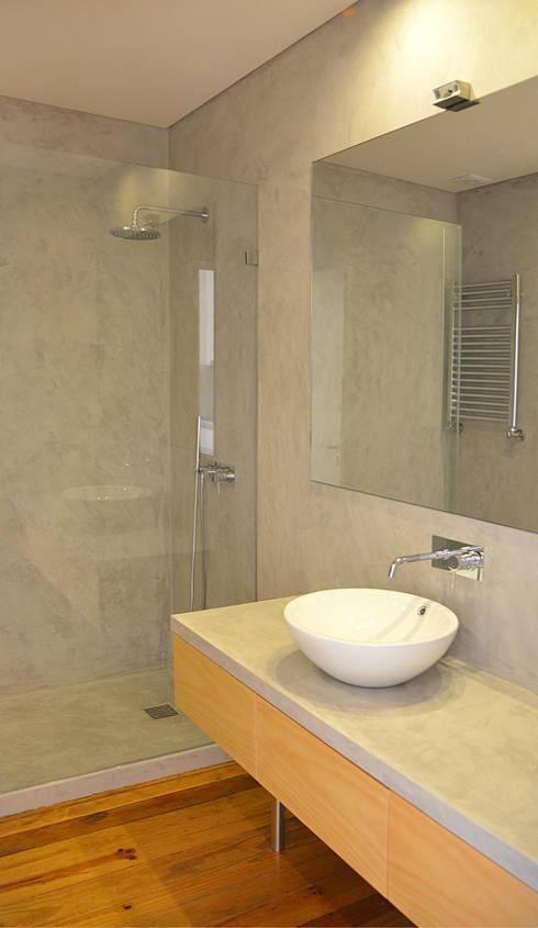 Casa de Banho: Casas de banho modernas por Germano de Castro Pinheiro, Lda