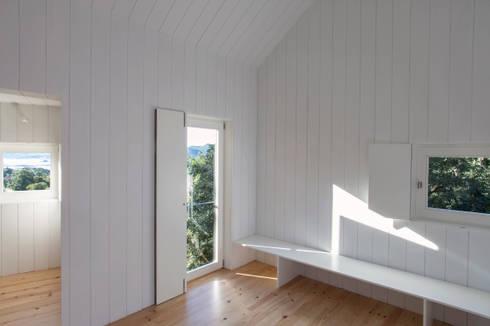 Moinhos da Corga : Salas de estar modernas por Escritorio de arquitetos
