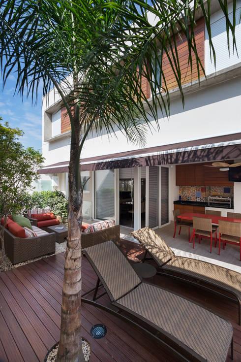 Terrazas de estilo  por Cactus Arquitetura e Urbanismo