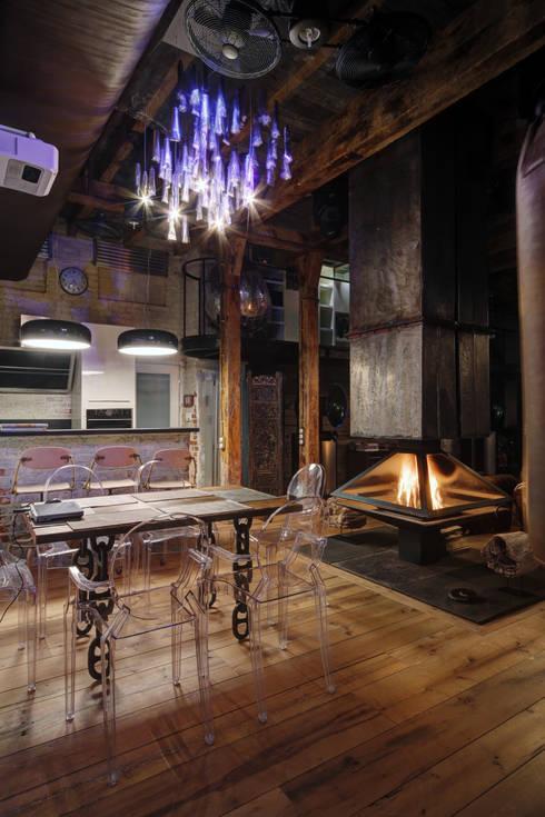 Kitchen by Lev Lugovskoy