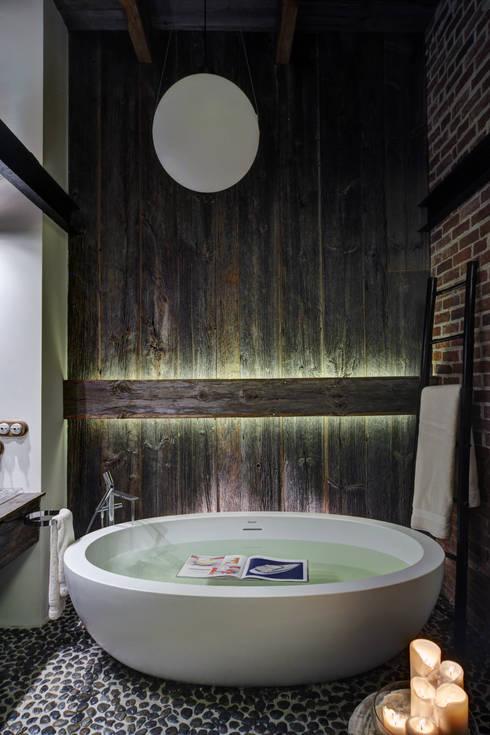 Baños de estilo  por Lev Lugovskoy