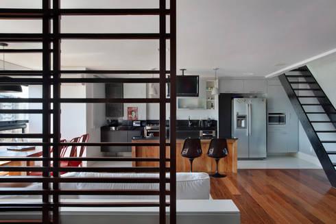 Cobertura Barra: Salas de estar modernas por ASP Arquitetura