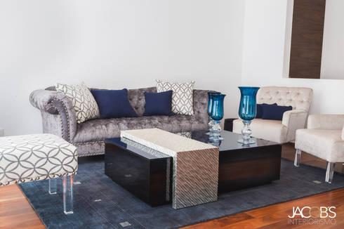 Mesa de centro: Salas de estilo moderno por Jacobs Interiorismo