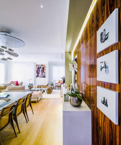 Salas de Jantar e estar integradas: Salas de jantar modernas por Studio ML