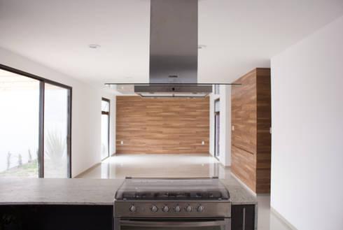 SENSACIÓN DE AMPLITUD: Cocinas de estilo minimalista por Región 4 Arquitectura