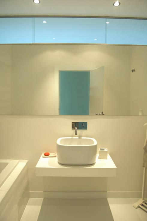 Renovação de apartamento na Junqueira: Casas de banho modernas por Borges de Macedo, Arquitectura.