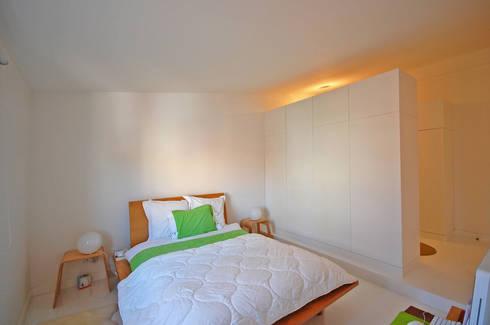 Renovação de apartamento na Junqueira: Quartos modernos por Borges de Macedo, Arquitectura.