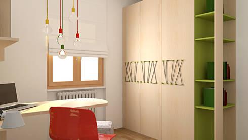 Armadio: Camera da letto in stile in stile Moderno di OGARREDO
