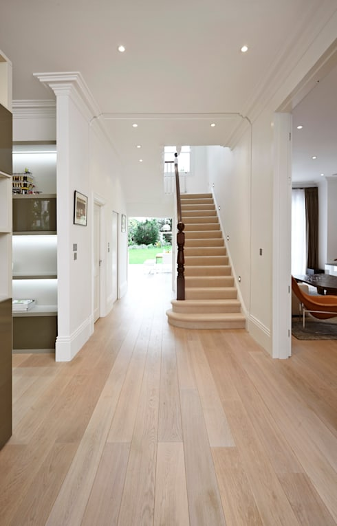 Woodville Gardens:  Corridor & hallway by Concept Eight Architects