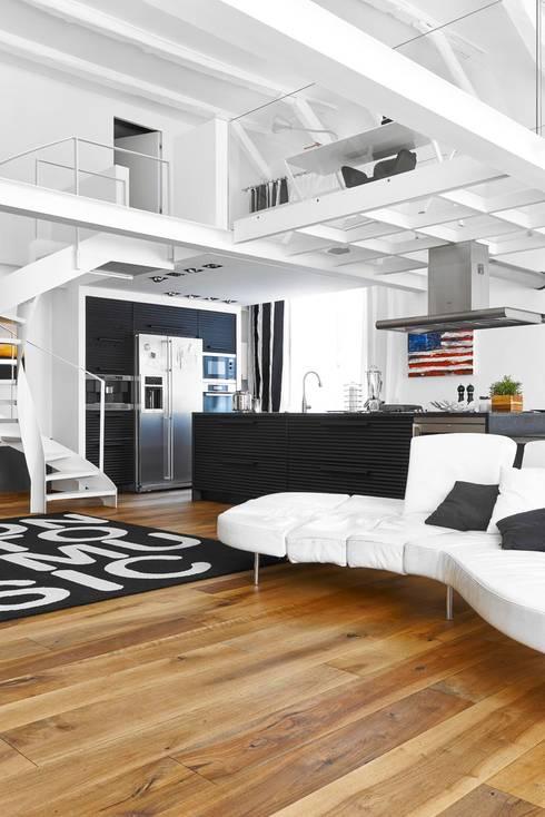 Salas de estilo  por Architetto Alboini Maria Gabriella
