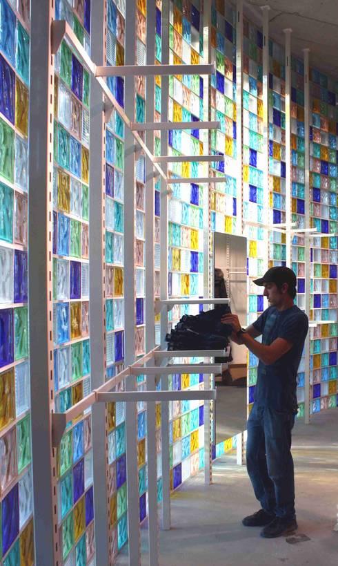 Galerías y espacios comerciales de estilo  por     tritschler glasundform