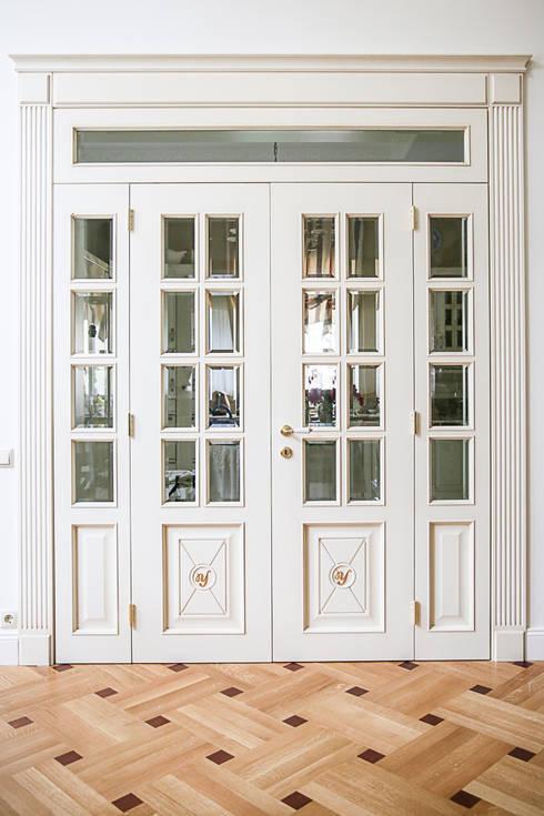 Дворянский особняк: Окна и двери в . Автор – Designer Olga Aysina