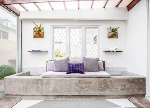 SAN MARINO I BH: Casas de estilo ecléctico por SZTUKA  Laboratorio Creativo de Arquitectura