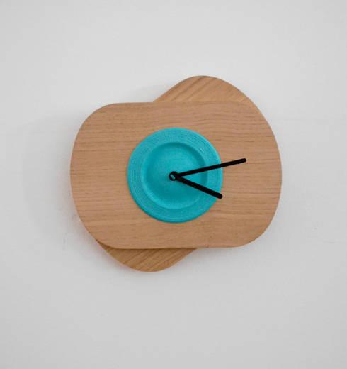 Blue  PLA color +Oak Wood  (without rotation): Casa  por Suricata Design Studio