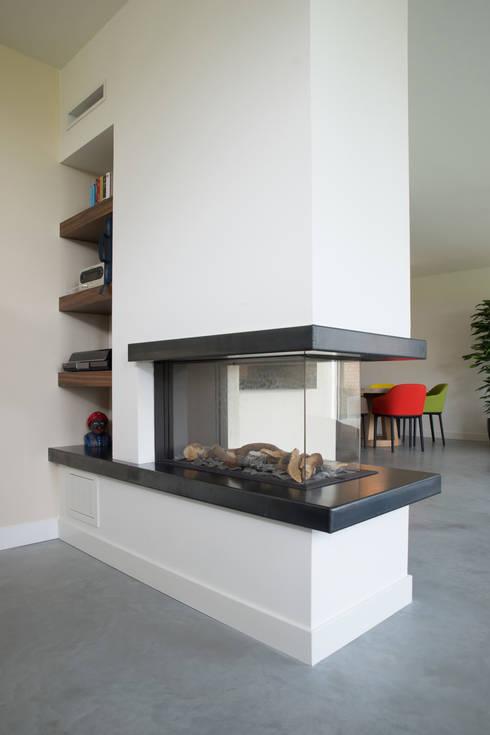 gashaard: moderne Woonkamer door Egbert Duijn architect+