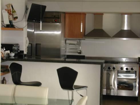 Casa habitacion en en Cozumel Quintana Roo: Cocinas de estilo minimalista por A2 HOMES SA DE CV
