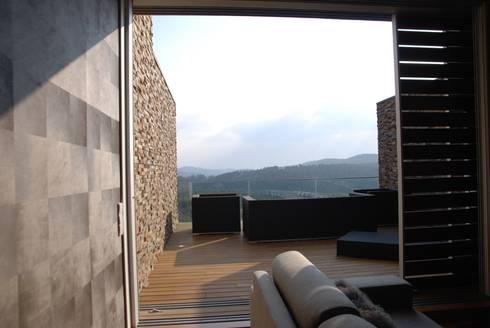 Projecto Vale Pisão – Gabinete de Arquitectura Inexistencia: Terraços  por Inexistencia Lda