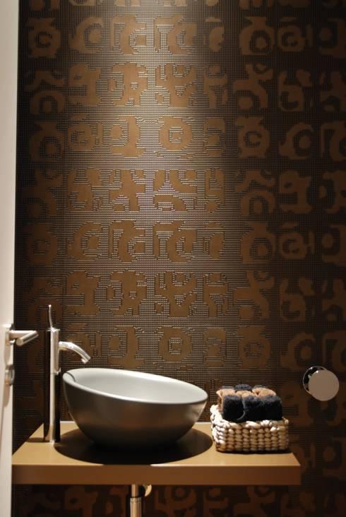 Projecto Vale Pisão – Gabinete de Arquitectura Inexistencia: Casas de banho modernas por Inexistencia Lda