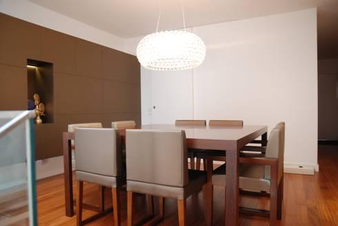 Projecto Vale Pisão – Gabinete de Arquitectura Inexistencia: Salas de jantar modernas por Inexistencia Lda