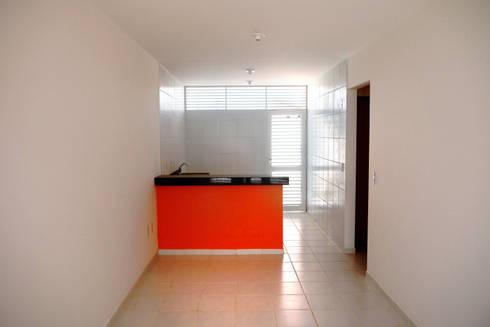 Cidade Feliz A: Salas de jantar minimalistas por Martins Lucena Arquitetos