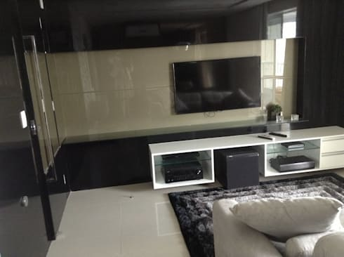 Desenho e Decoração de Apartamento no Bairro de Fátima, Fortaleza: Salas multimídia modernas por 4R Arquitetura