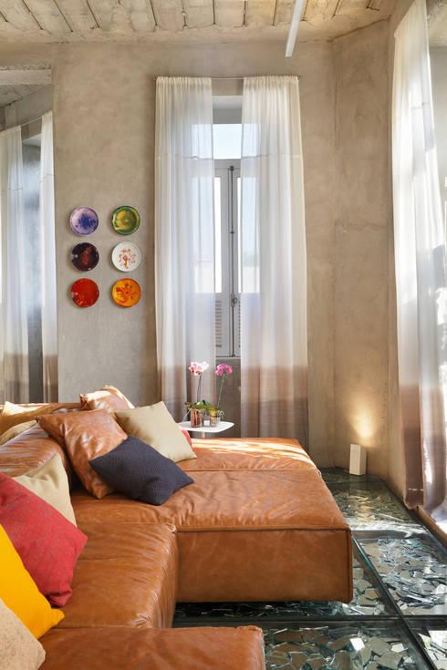 غرفة الميديا تنفيذ Gisele Taranto Arquitetura