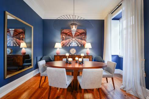 Sala de jantar: Salas de jantar modernas por LAVRADIO DESIGN