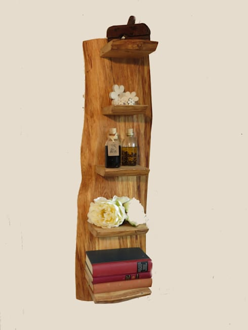 Uriges Wandregal:  Wohnzimmer von Schöner Wohnen mit Holz
