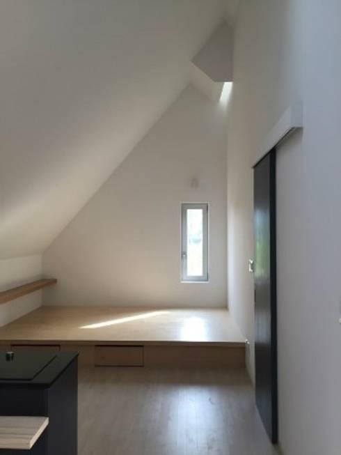 능내역 NO.9 ART FACTORY: 건축사사무소 스무숲의  침실