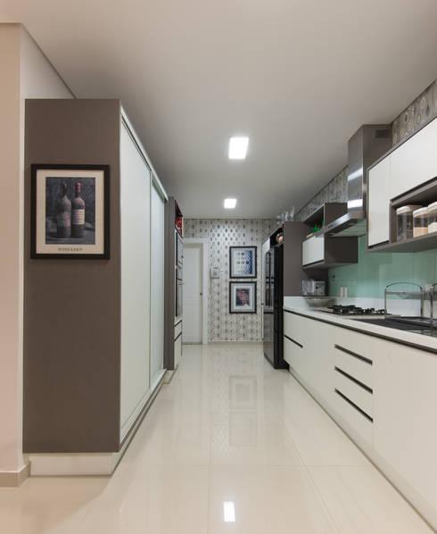 Cozinha: Cozinha  por CASA Arquitetura e design de interiores