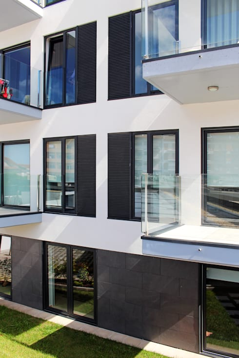 Quadra - Alçado Sul, varandas: Terraços  por Sónia Cruz - Arquitectura