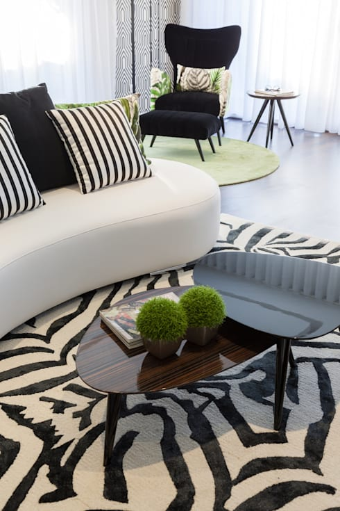 Living Room: tropical Living room by Movelvivo Interiores