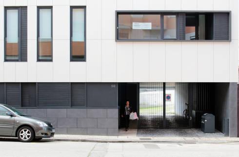 Quadra - Alçado Norte, entrada: Casas modernas por Sónia Cruz - Arquitectura