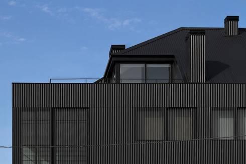 Santiago - Pormenor de alçado: Casas modernas por Sónia Cruz - Arquitectura