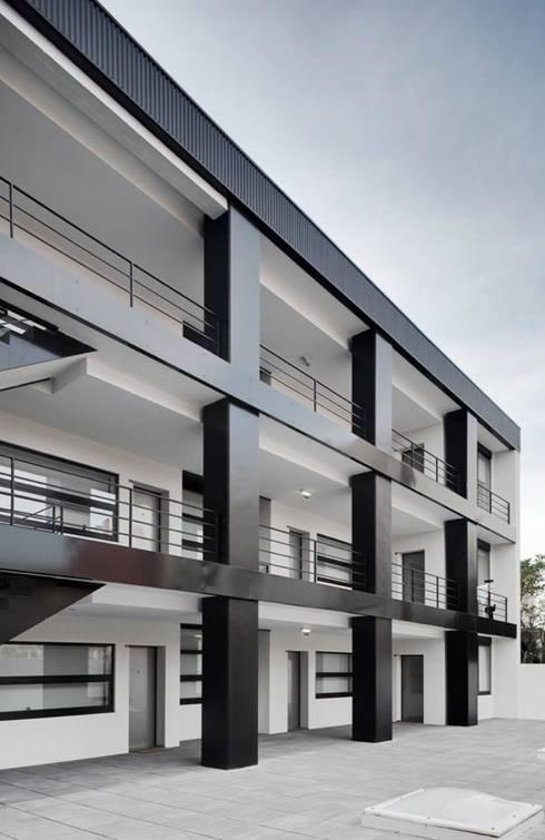 Santiago - Galeria de distribuição: Casas modernas por Sónia Cruz - Arquitectura