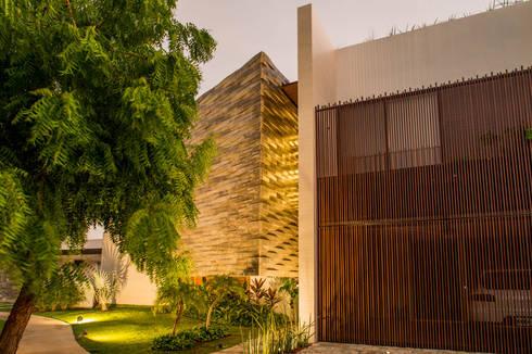 OM: Casas de estilo moderno por FGO Arquitectura