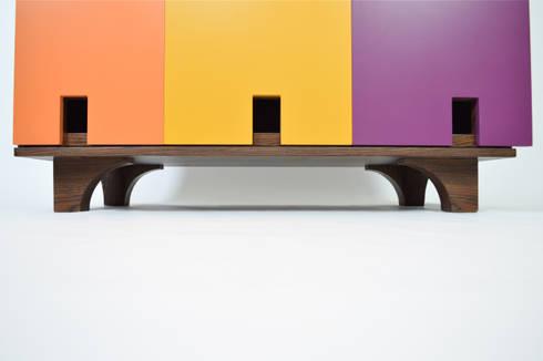 GUARDAJUATO by APOTEMA: Vestidores y closets de estilo minimalista por APOTEMA Estudio de Diseño