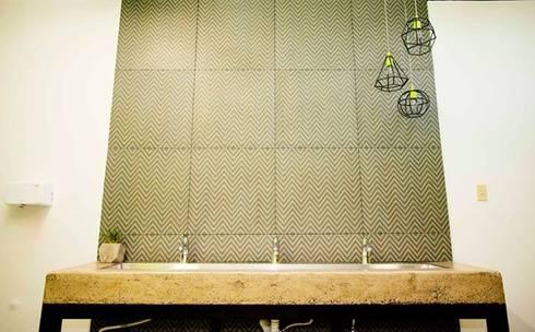 RUMO: Baños de estilo  por Pitaya
