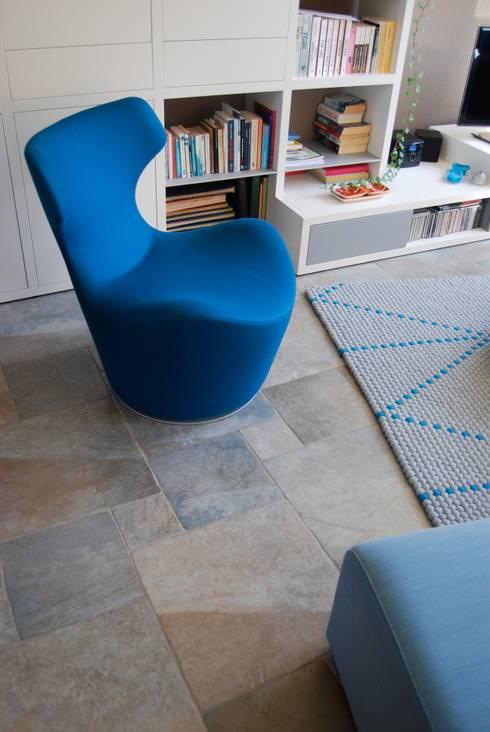 Woonhuis Huis ter Heide: moderne Woonkamer door CG Interior Architecture