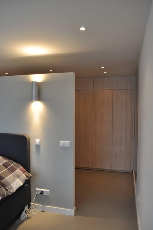 Woonhuis NIeuw-Vennep: minimalistische Slaapkamer door CG Interior Architecture
