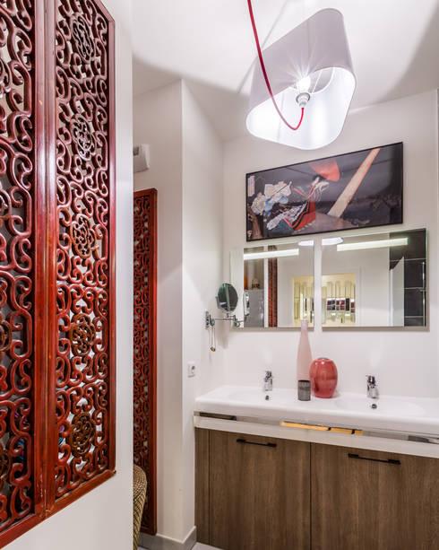 Baños de estilo asiático de EXPRESSION ARCHITECTURE INTERIEUR